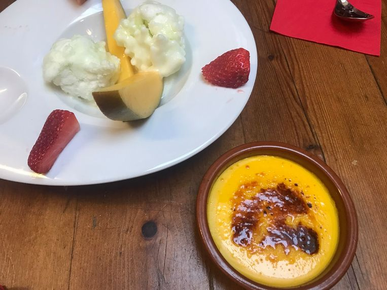 Crema catalana en Spaans ijs.