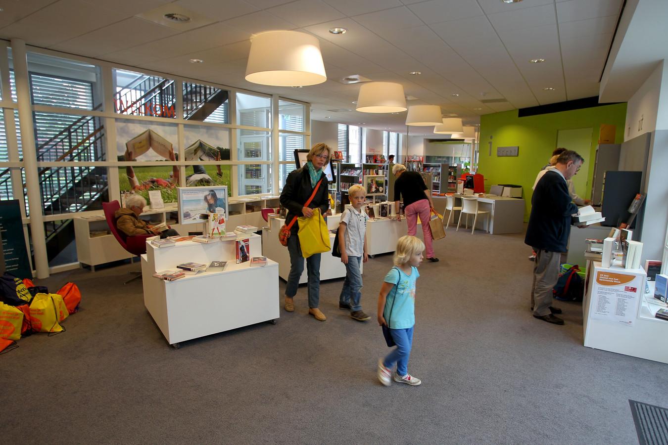 De bibliotheek Heeze in 't Perron in 2013.