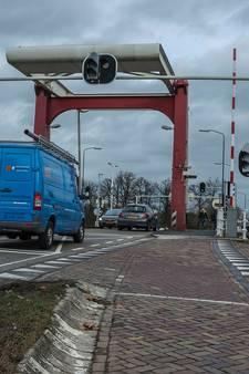 Linksafverbod bij Beekse brug in Beek en Donk alweer beëindigd