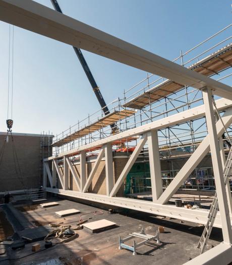 Passen en meten bij nieuwbouw Nassau Veluwe College in Harderwijk
