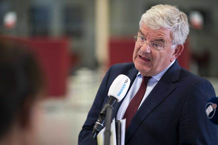 De Haagse burgemeester Jan van Zanen Beeld ANP