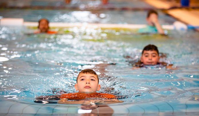 Het schoolzwemmen wordt in de gemeente Wierden niet opnieuw ingevoerd.