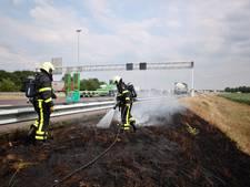 Bermbrand langs A58 van Breda naar Tilburg is geblust; file lost langzaam op