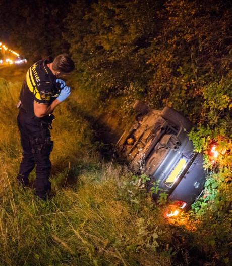 Inhaalmanoeuvre met hoge snelheid in Eindhoven, twee ernstig gewonden naar ziekenhuis