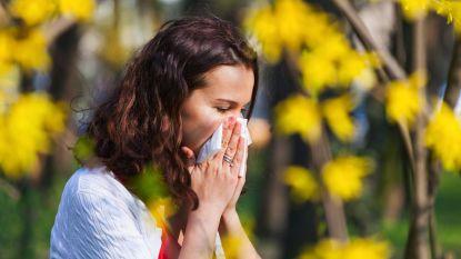 """Steeds meer mensen allergisch aan pollen: """"De helft ontwikkelt vroeg of laat ook een allergie voor voedsel"""""""