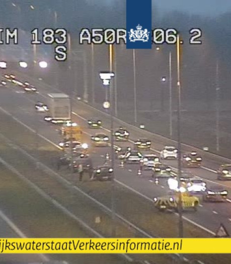 File op A1 bij Beekbergen na ongeluk met drie auto's