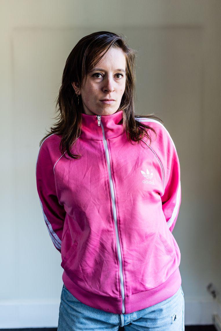Renée van der Hoff wordt soms gek van werkgerelateerde appgroepen.  Beeld Katja Poelwijk