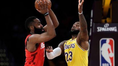 VIDEO. 'The Beard' zet ongelofelijke reeks verder, maar gooit met Rockets kloof van 19 punten te grabbel tegen LeBron & co