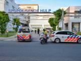 Vader (63) en zoon (26) opgepakt voor geweld bij huisartsenpost en instelling in Bergen op Zoom; hulpverleners en politie doen aangifte