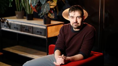 """Tv-maker Joris Hessels komt toch nog uit zijn kot in Gentbrugge: """"Maar dat buurtfeest moet nog even wachten"""""""