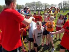 Kinderen uit Kranenburg doen mee aan koningsspelen in Groesbeek