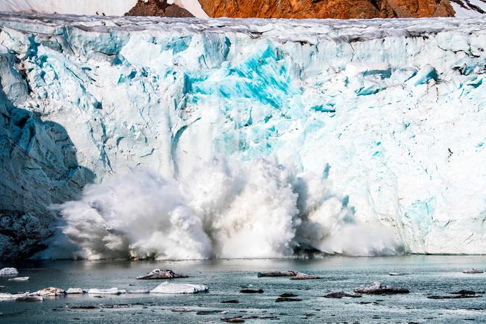 Entre 2012 et 2017, quelque 239 milliards de tonnes de la calotte glaciaire du Groenland ont fondu chaque année, selon les scientifiques. C'est presque 13 fois plus qu'il y a 20 ans.