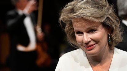 """Koningin Mathilde laat haar moederhart spreken: """"Ik ben een strenge mama"""""""
