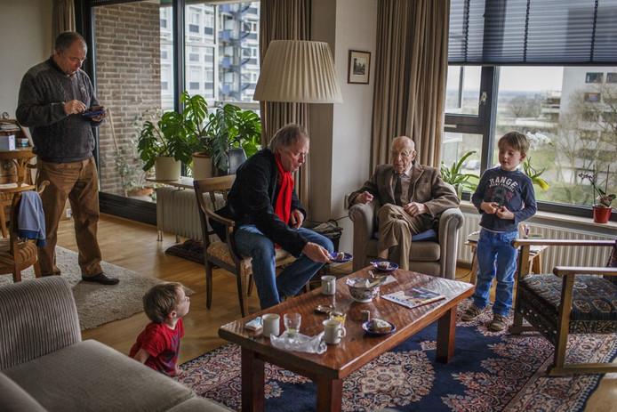 De 96ste verjaardag van Reinier Cretier in Nijmegen.