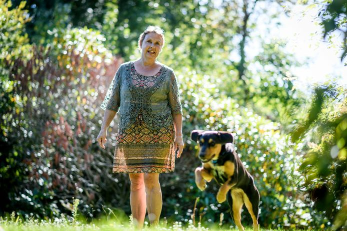 Klary van Keulen raakte zwaar gewond door toedoen van een vluchtende inbreker. Om inbrekers af te schrikken hebben ze een waakse hond genomen.