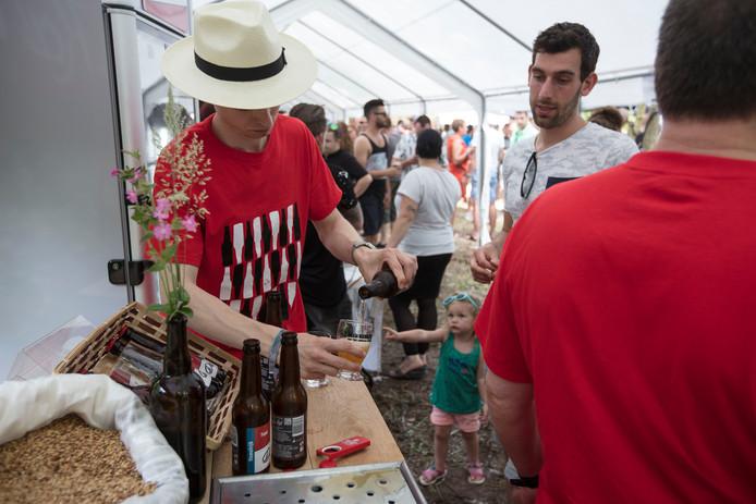 Bierfestival Beer, Burgers & Two Smoking Barrels vindt dit jaar voor de vierde keer plaats op het gildeterrein in Mierlo-Hout.
