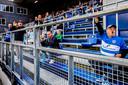 Ook de meest fanatieke PEC-fans moeten zitten en het mag eigenlijk niet, maar er werd wel luidkeels meegeleefd.
