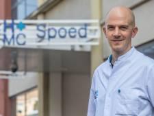 Arts wil speciale zones in zee voor badgasten: 'De zee is geen spetterbadje'