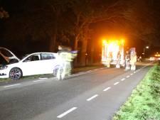 Brandweer bevrijdt bestuurder uit auto na ongeval in Enter