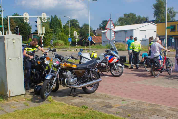 Motorrijders in botsing op kruispunt in Dieren.
