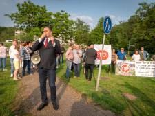 Geitenkamp demonsteert fel tegen opvang van 'tikkende tijdbommen' in voormalig Arnhems zorgcentrum