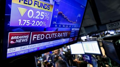 """Amerikaanse centrale bank verlaagt opnieuw rente, maar Trump vindt het niet genoeg: """"Geen lef"""""""