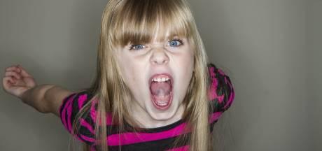 Radeloze moeder: 'Ons 9-jarige adoptiedochtertje bleek moordzuchtige vrouw met dwerggroei'