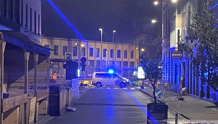 Het Stationsplein maandagochtend vroeg, zicht vanuit de Reynaertstraat.