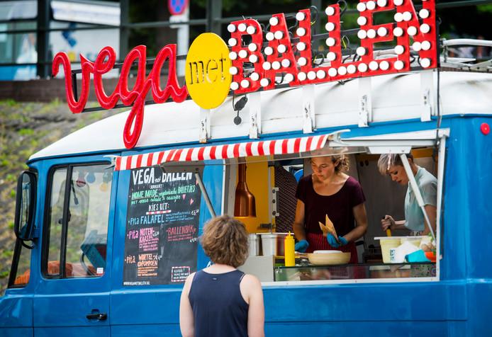 Foodtruck Vega met Ballen tijdens de Vierdaagsefeesten.