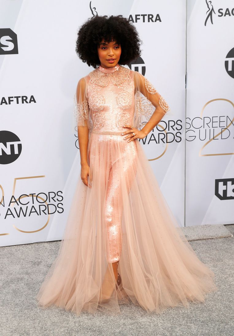 Yara Shahidi from the series 'Black-ish' in Fendi Couture.  The heels are Louboutin, the Cartier jewels.