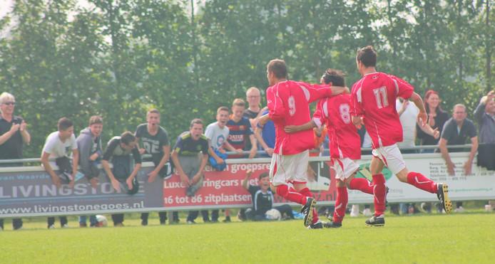 Lewedorpse Boys wint van The Gunners en promoveert.