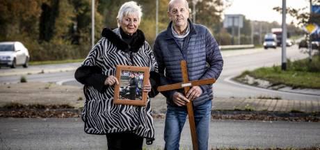 Het kruis in de berm is verdwenen maar de herinneringen aan Patty uit Oldenzaal niet