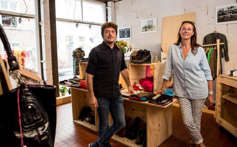 Peter Desnerck en Isabelle Neyt van Curieus in The Empty Shop.