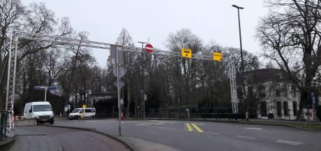 Oostdam is nu eenrichtingsverkeer, maar chaos blijft uit