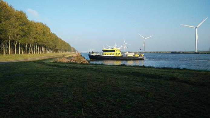 Het lijk werd gevonden door opvarenden van een boot van Rijkswaterstaat.