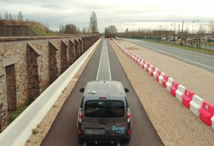 Inductieladen (oftewel contactloos) tijdens de rit: een van de plannen van Renault