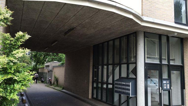 De steeg waar geschoten werd Beeld Maarten van Dun