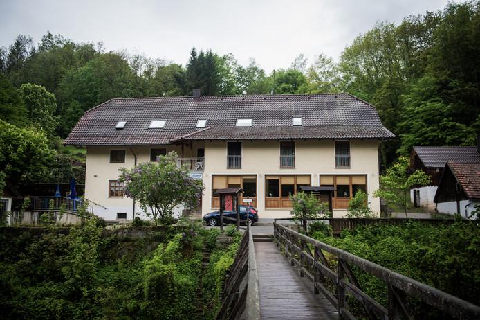 Het pension in Passau waar drie personen met pijlen in hun lichaam dood werden aangetroffen.