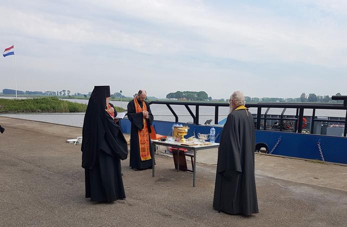 De zegening van het schip in Kampen vanmorgen.