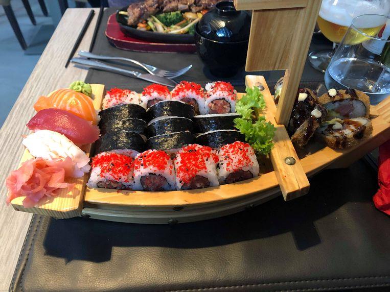 De sushi-boot van 25 stuks.