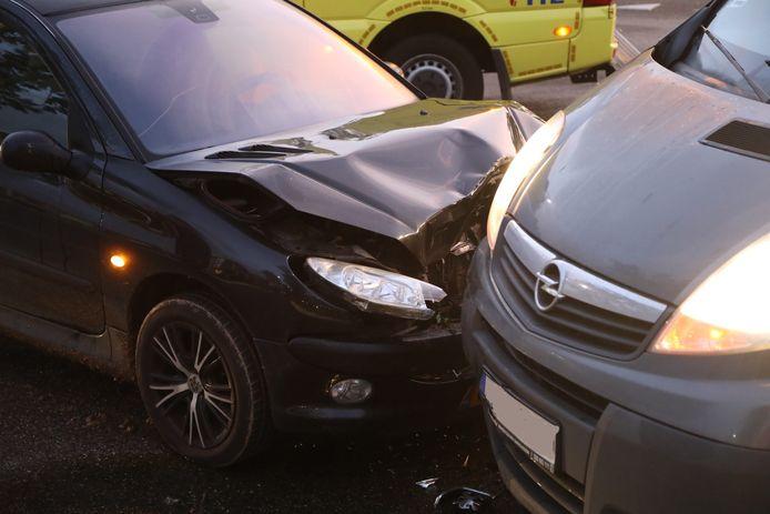 De auto's hebben allebei flink wat schade