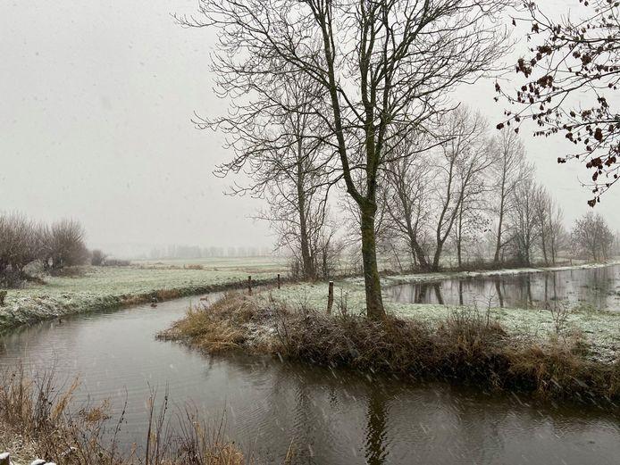 Eerste sneeuw Brugge: hier in de Assebroekse Meersen