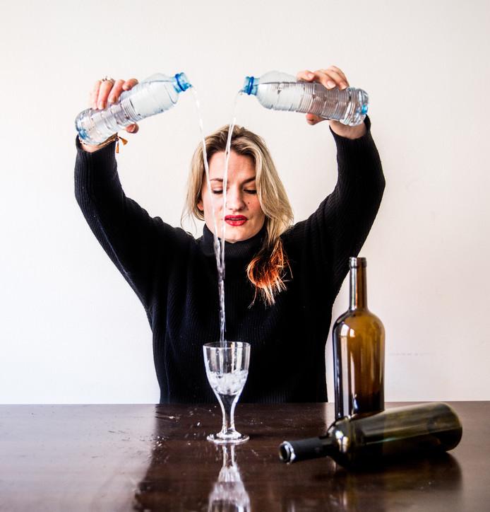 Loïs Bisschop: ,,Stoppen met drinken is retemoeilijk. Je bent je grote vriend kwijt en dat is eenzaam.''