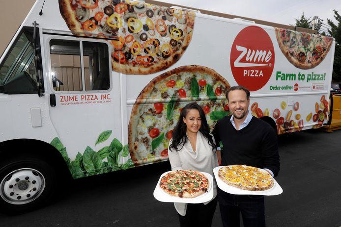 Août 2016, Julia Collins et Alex Garden, co-fondateurs de Zume Pizza, prennent la pose devant leur projet