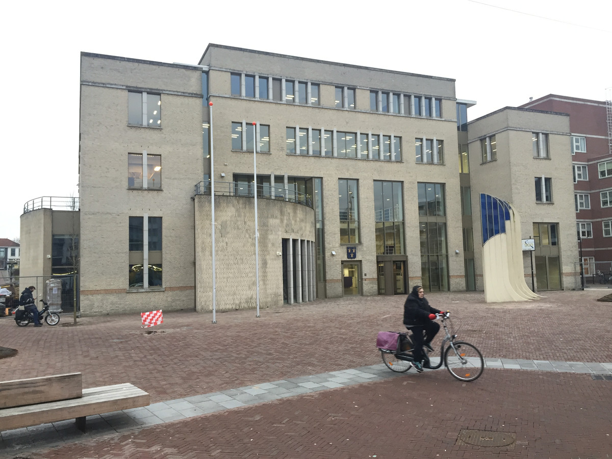Het raadhuis in Papendrecht.
