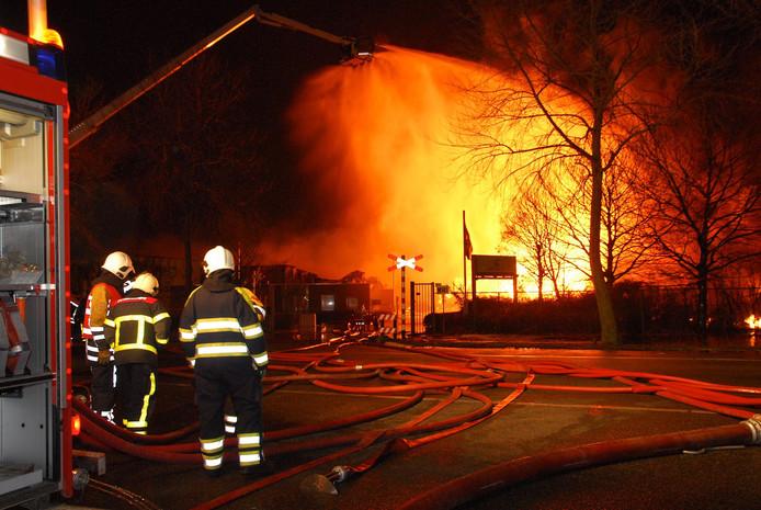 Na de brand bij Chemie-Pack in Moerdijk, op 5 januari 2011,  hebben hulpdiensten, bedrijven en gemeente veel meer ingezet op veiligheid.