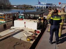 Brandje door laswerk op vrachtschip aan Rijnkade in Arnhem