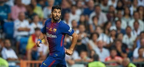 Voetbalbond Uruguay meldt: Suárez vijf weken uit de roulatie