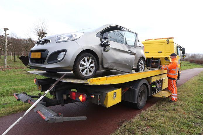 Auto belandt op zijn kop bij ongeluk in Sint-Oedenrode
