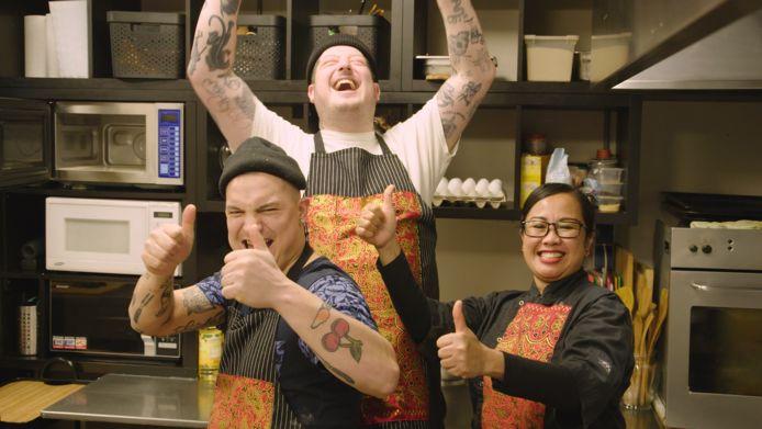 Job en Perry koken met tante Annie Indonesische rendang.